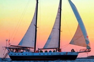 Sailing Tamarindo
