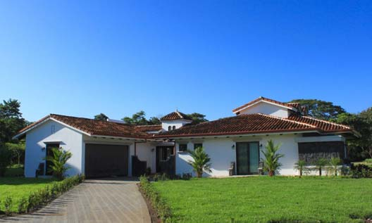 Costa Rica Pura Vida House Front