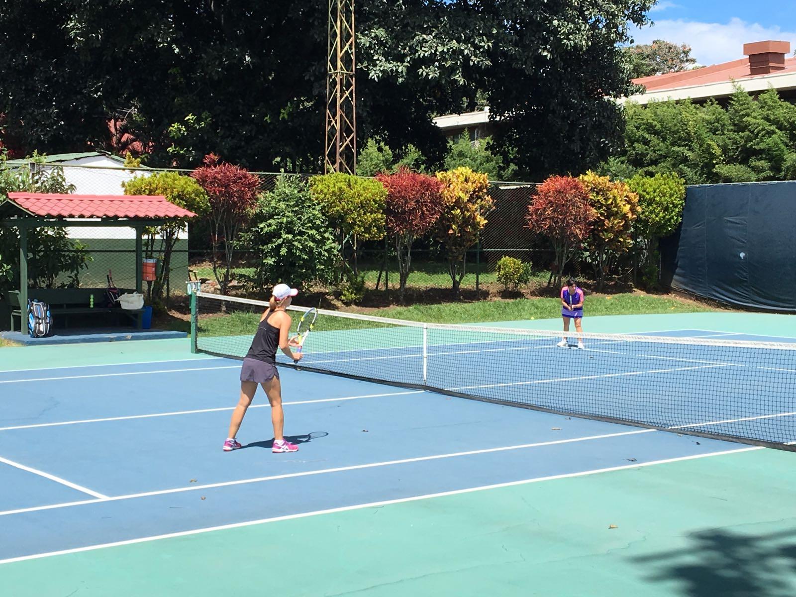 Tennis in Alajuela
