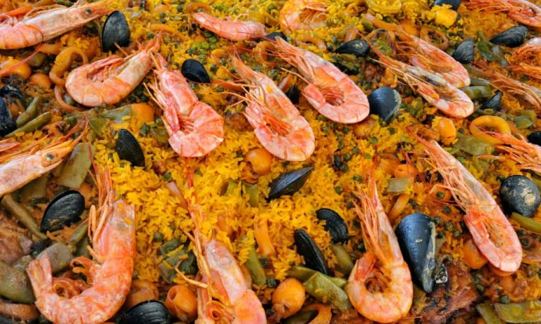 a large amount of spanish paella
